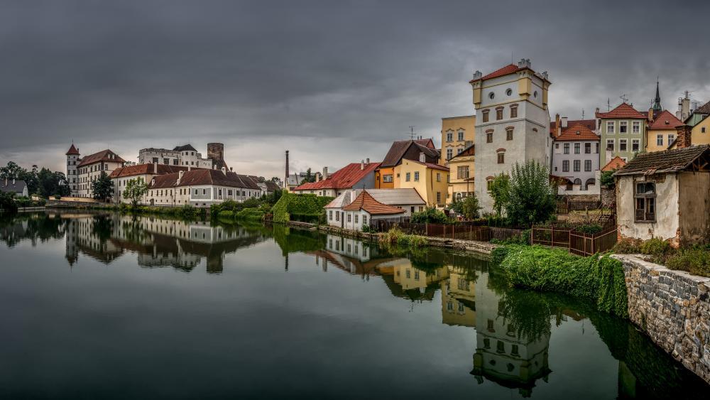 The Jindřichův Hradec Castle and the Vajgar lake wallpaper