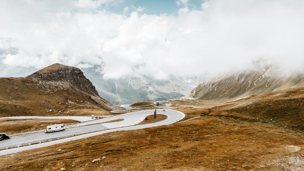 Hairpin curve in the Grossglockner High Alpine Road wallpaper