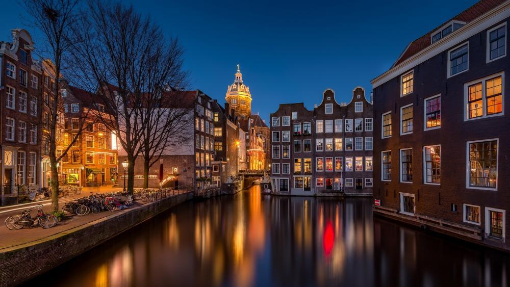 Amsterdam by night wallpaper