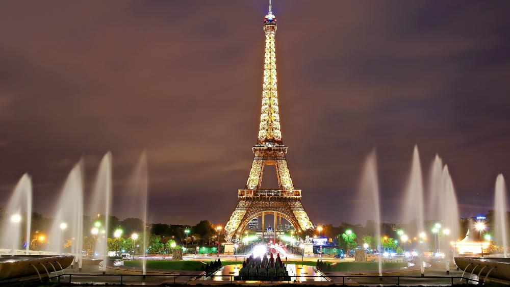 Eiffel Tower at night wallpaper