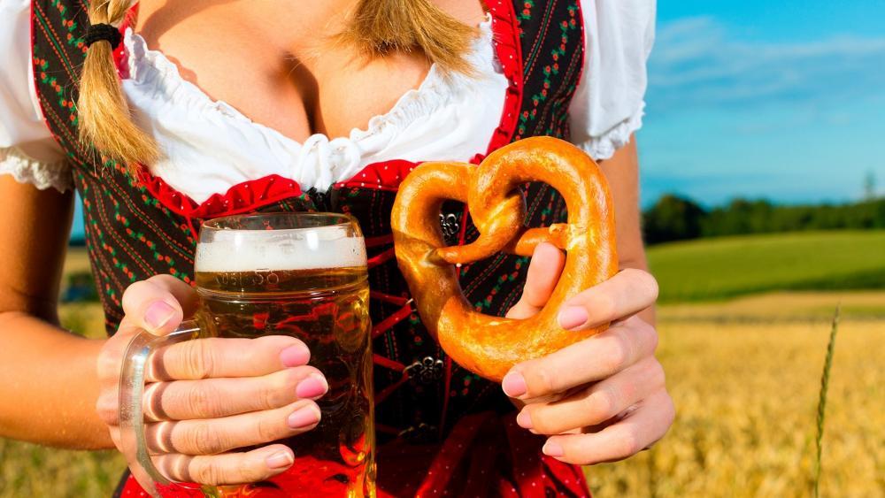 Bavarian pretzel with beer wallpaper