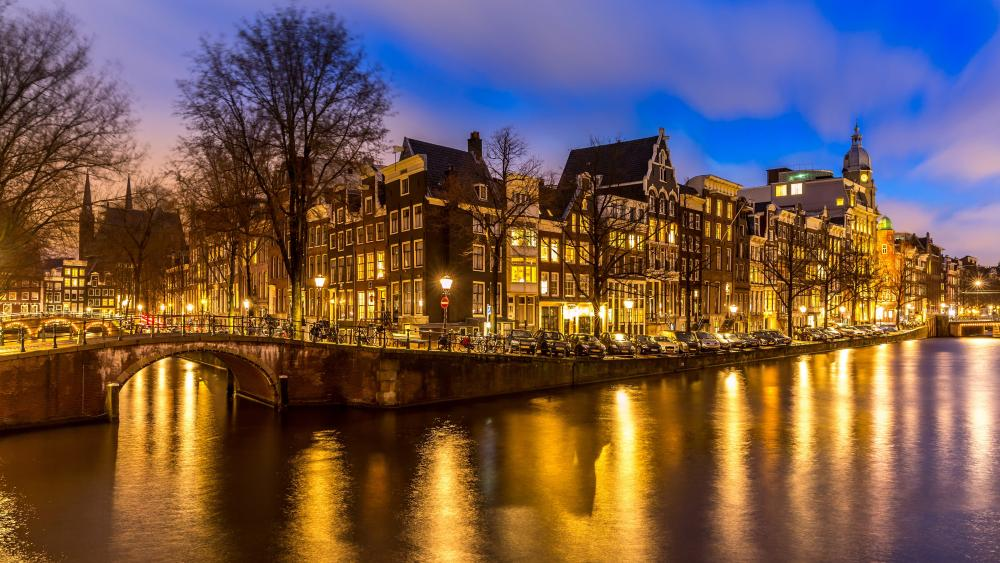 Canals of Amsterdam wallpaper