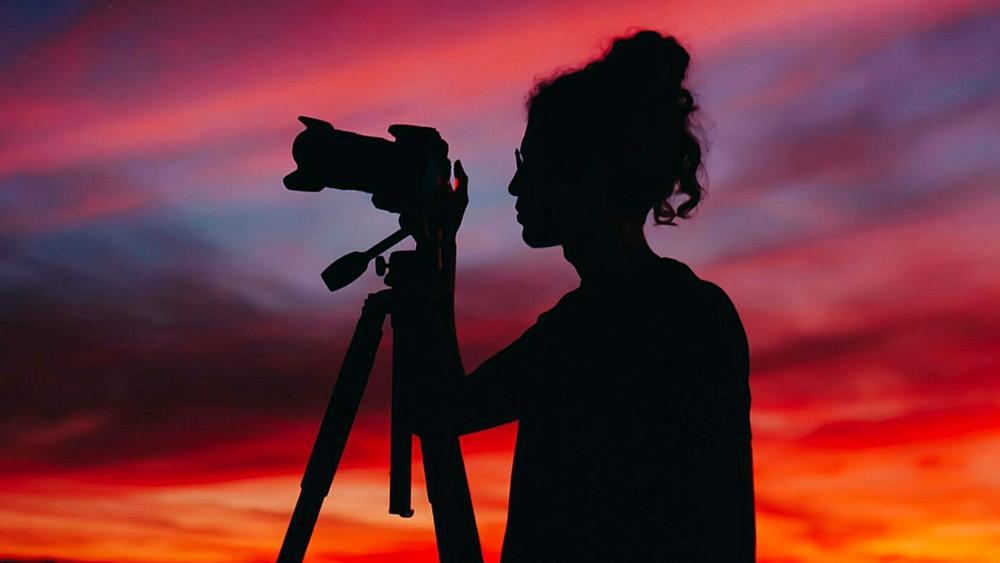 Photographer silhouette wallpaper