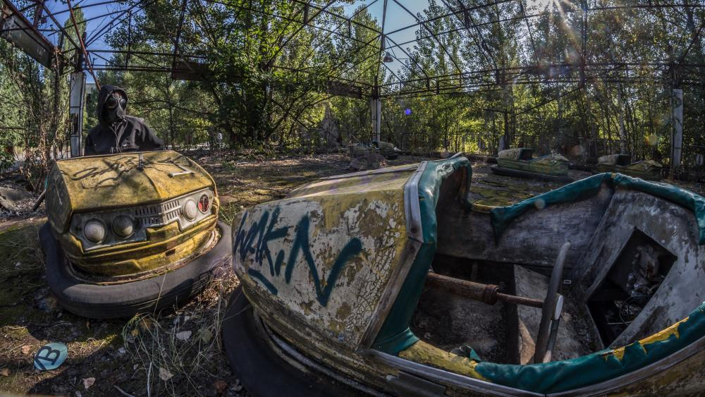 Abandoned bump cars after the Chernobyl disaster wallpaper