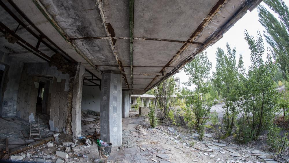 Ruins after the Chernobyl disaster wallpaper
