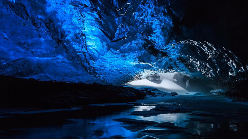 Blue ice cave (Skaftafell National Park, Iceland) wallpaper