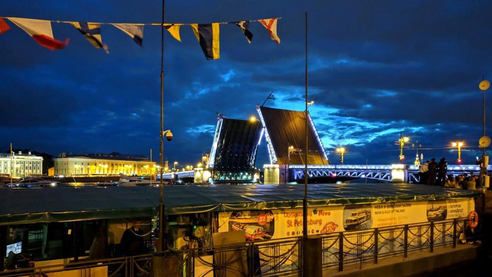 St. Petersburg at night wallpaper