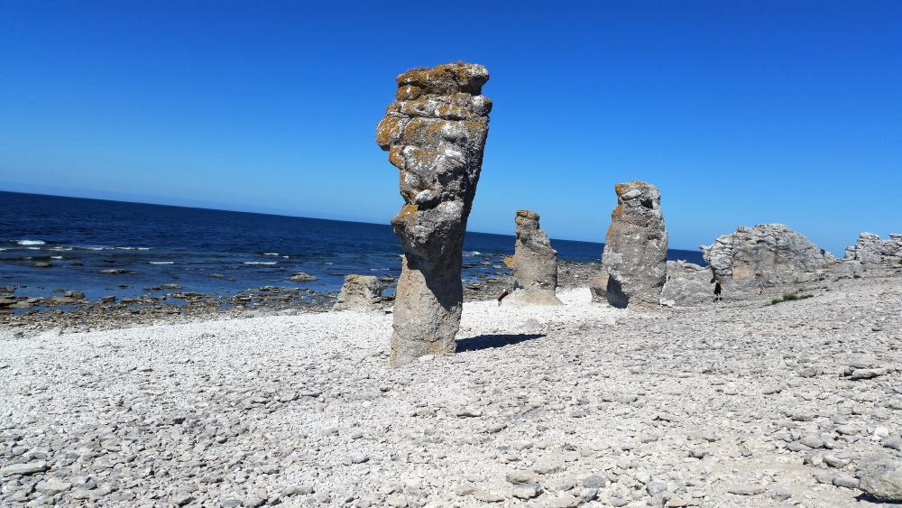 Nature created rock formations in Gotland wallpaper