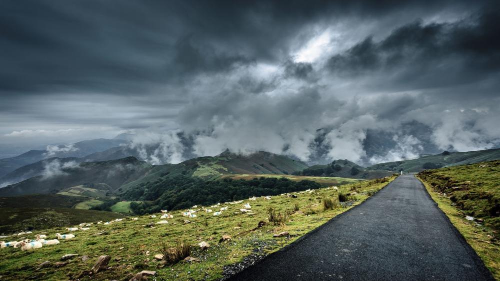 Cloudy mountains wallpaper