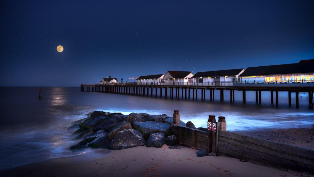 Southwold Pier in the moonlight wallpaper