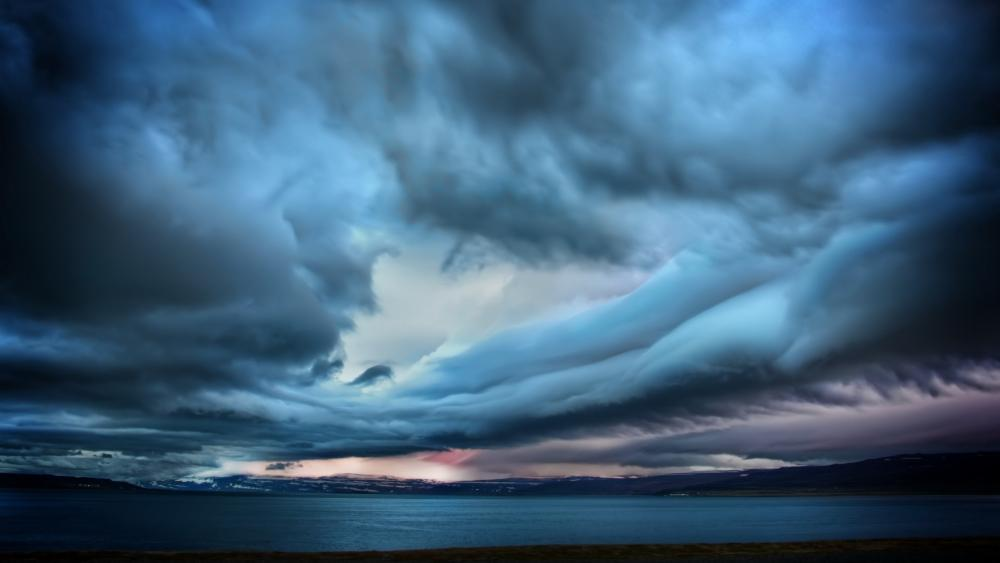 Gloomy sky wallpaper