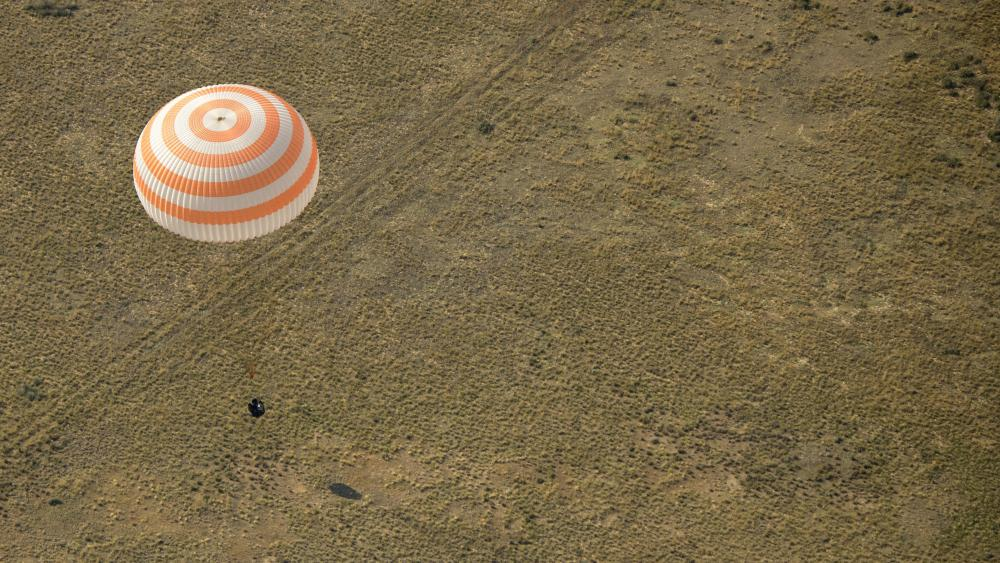 Expedition 59 Landing wallpaper
