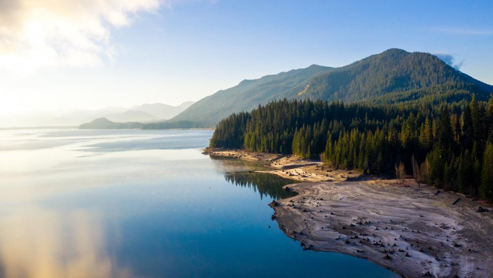 Lake Easton view at daytime wallpaper