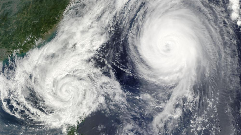 Typhoon Melor & Tropical Storm Parma wallpaper