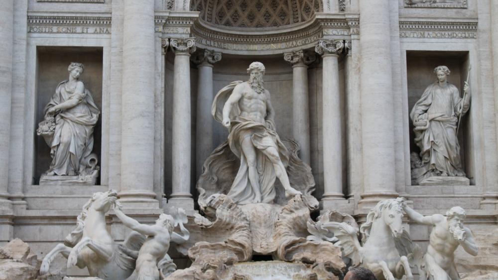 Trevi Fountain wallpaper