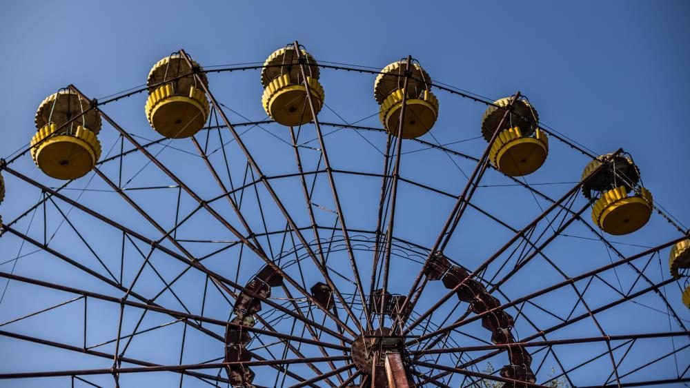 Ferris wheel in Pripyat wallpaper