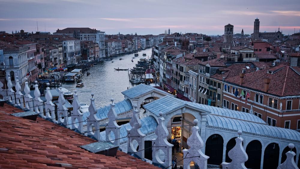 Rooftops in Venice wallpaper