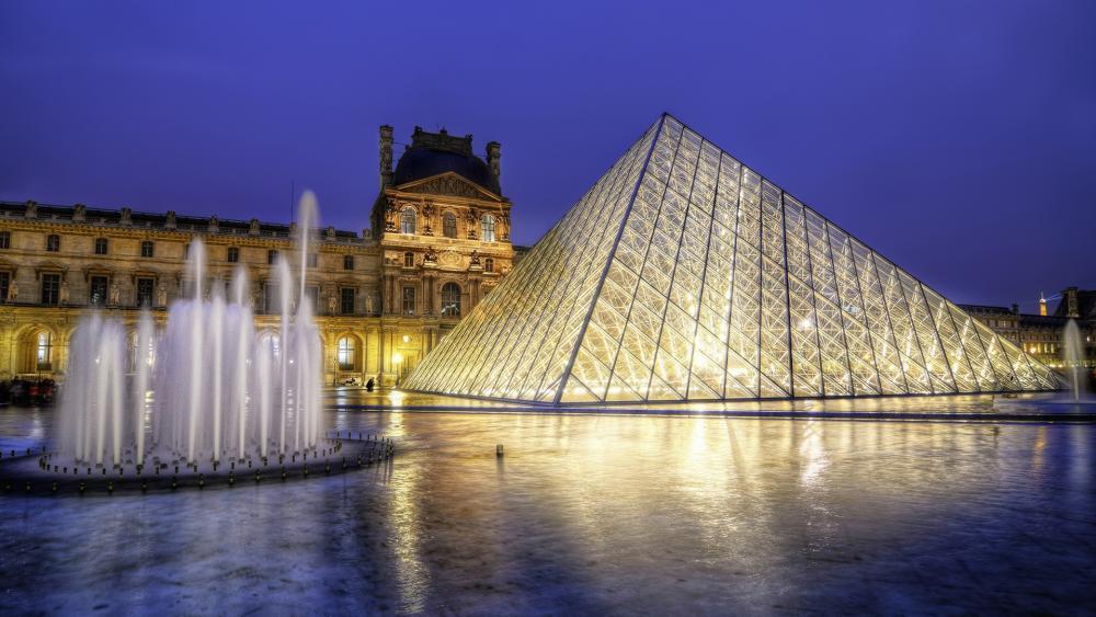 Louvre Museum wallpaper
