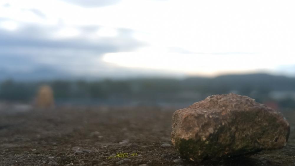 Tiny rock wallpaper