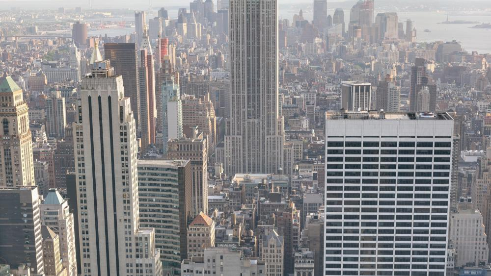 Manhattan Cityscape & the Empire State Building wallpaper