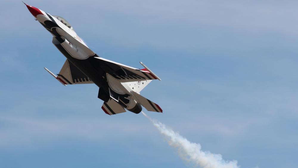 USAF Thunderbirds Air Demonstration Squadron wallpaper