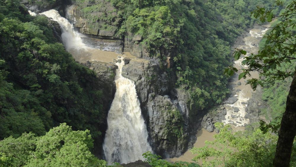 Magod Falls near Yellapur, Karnataka wallpaper