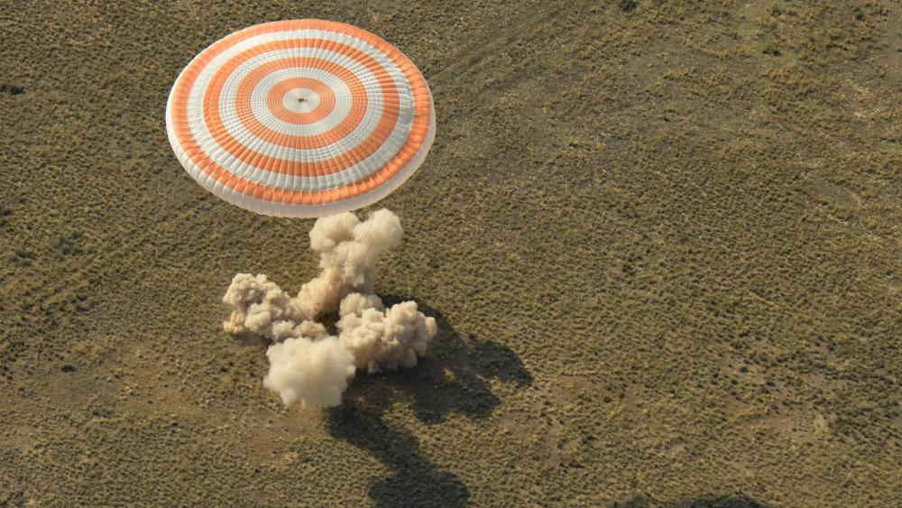 Soyuz MS-11 Landing with Expedition 59 wallpaper