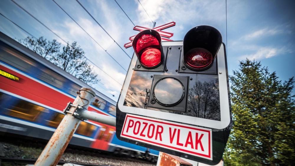 Beware of train! wallpaper