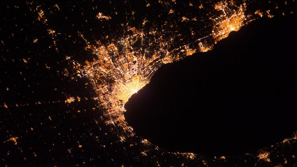 Chicago's City Lights Seen from the International Space Station wallpaper