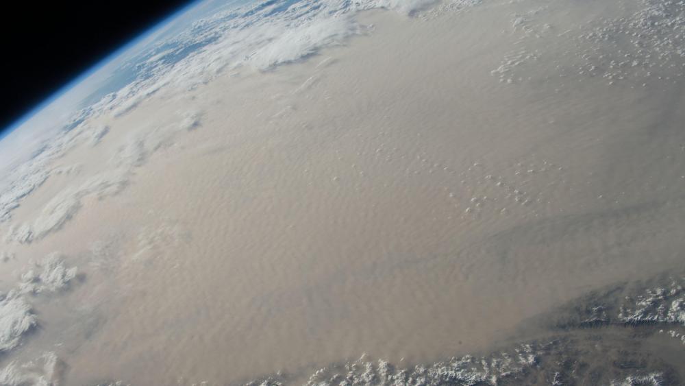 Massive Dust Storm Engulfs Gobi Desert wallpaper
