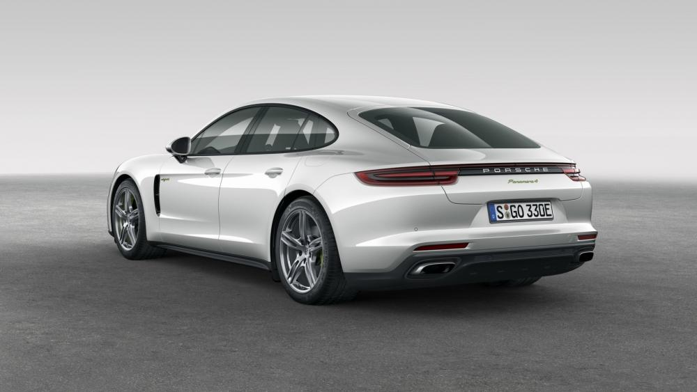 Porsche Panamera hybrid wallpaper