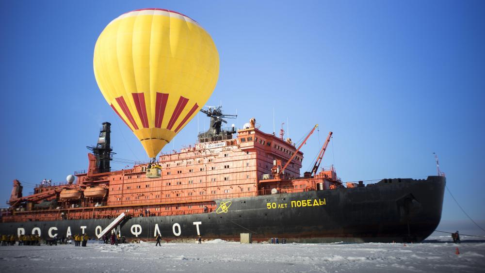 Hot air balloon at North Pole wallpaper