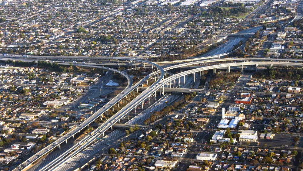 Interchange of I-405 & I-105 in Inglewood, CA wallpaper