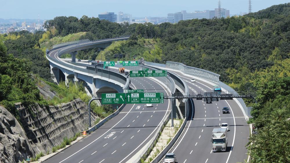 Shin-Tomei Expressway in Toyota, Aichi, Japan wallpaper
