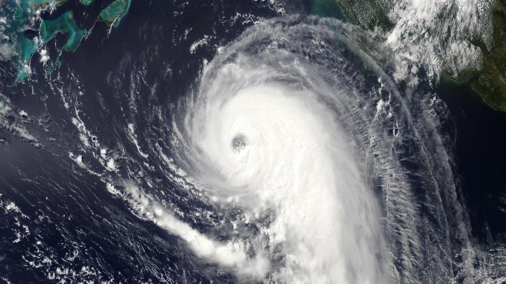 Hurricane Humberto on September 17, 2019 wallpaper