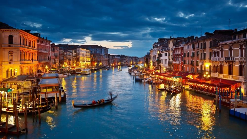 Grand canal at night wallpaper