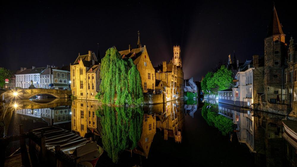 Bruges at night wallpaper