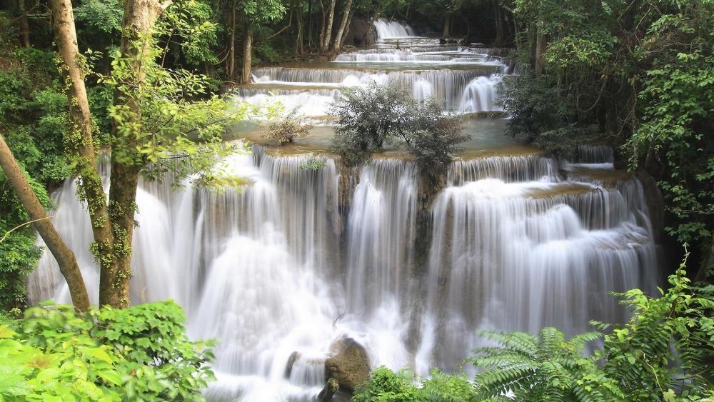 Erawan Waterfall in Kanchanaburi wallpaper