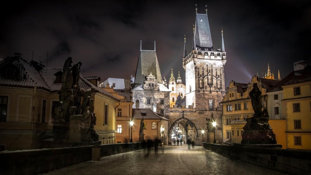 Charles Bridge and Old Town by night wallpaper