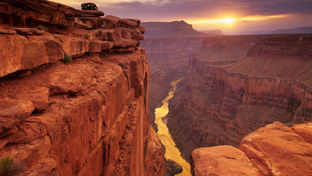 Grand Canyon at sunset wallpaper
