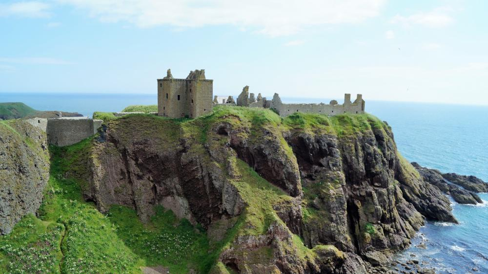 Dunnottar Castle, Scotland wallpaper