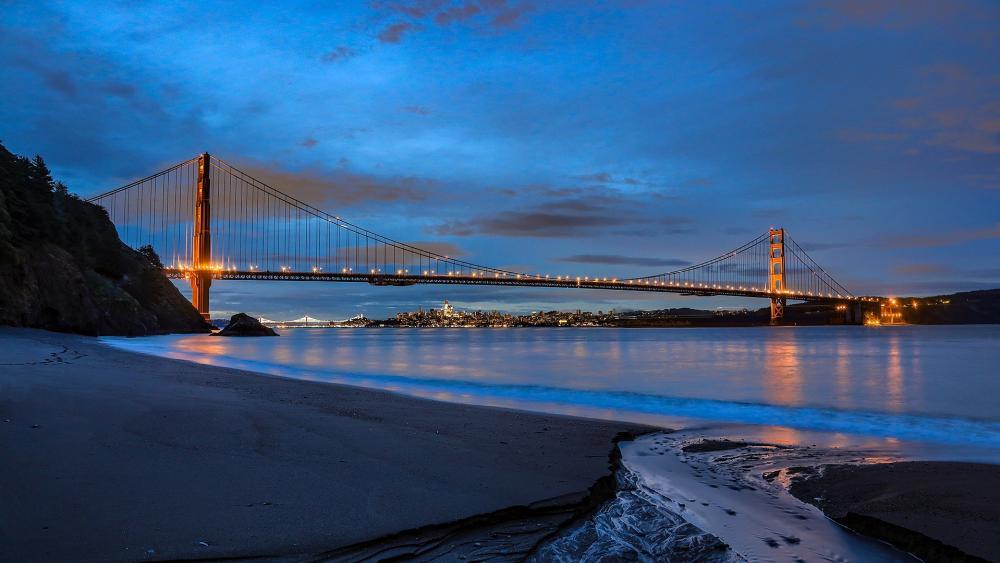 Golden Gate Bridge at blue hour wallpaper