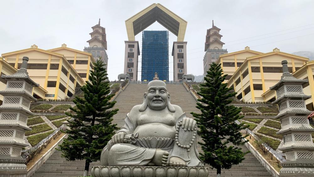 Chinese Buddha statue wallpaper