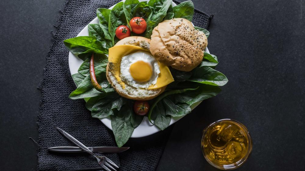 Sandwich with fried egg wallpaper