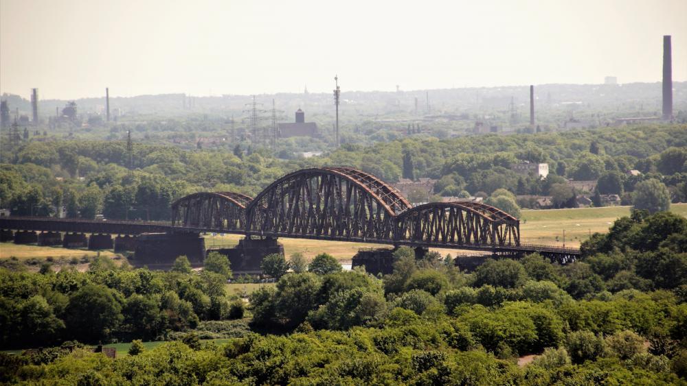 Eisenbahnbrücke wallpaper