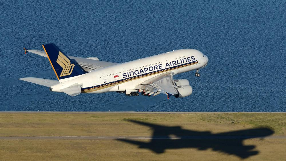 Singapore Airlines Airbus A380 takeoff at Sydney Airport wallpaper