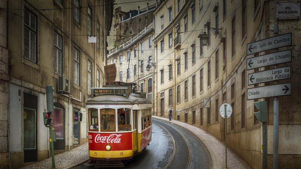 Tram in Lisbon wallpaper