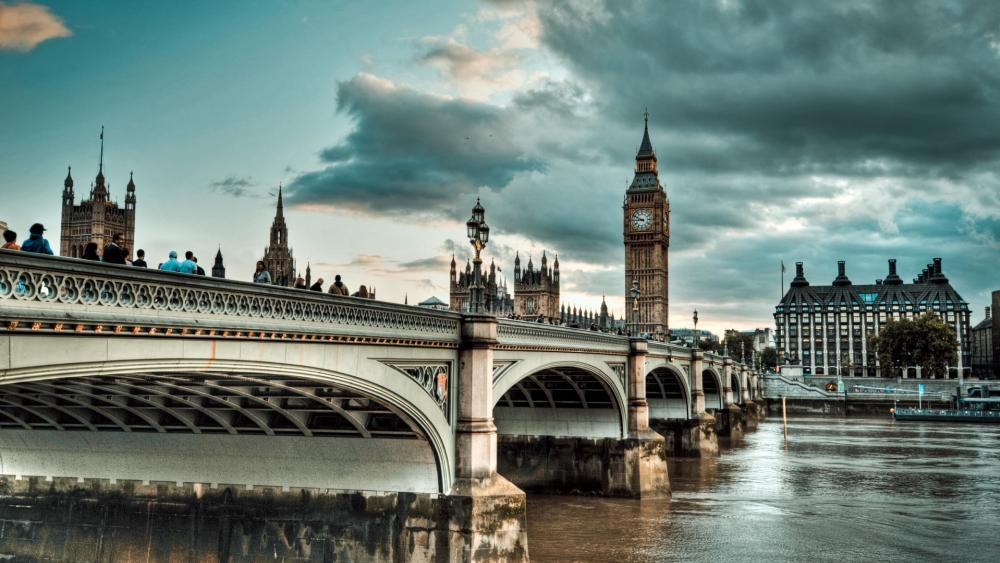 The Westminster Bridge and the Big Ben wallpaper