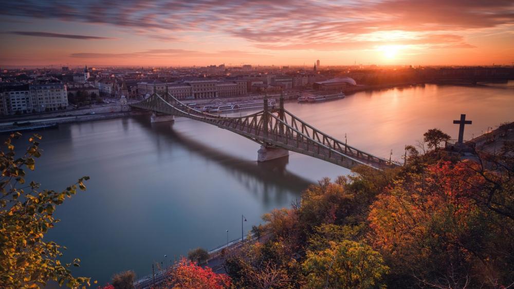The Liberty Bridge from the Gellert Hill, Budapest wallpaper