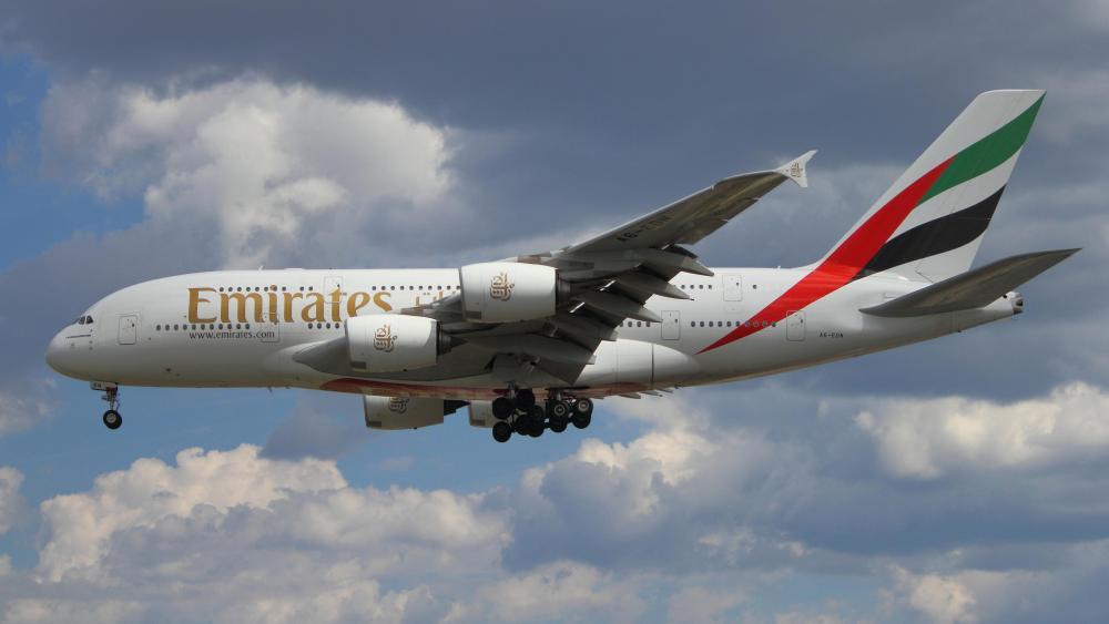 Emirates Airbus A380-800 wallpaper